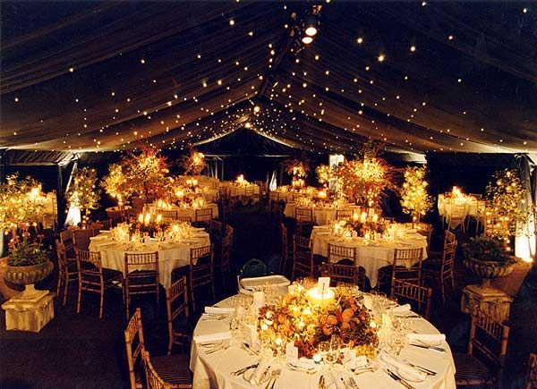 Black and Gold wedding theme – We Do Dream Weddings!