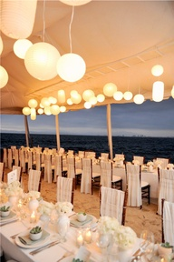 White & Champagne Wedding – We Do Dream Weddings!